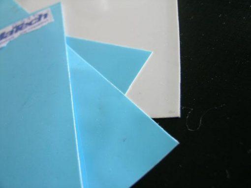 Adesivi termicamente conduttivi