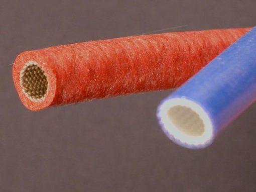 Tubi realizzati in fibra di vetro e rivestiti o impregnati con silicone