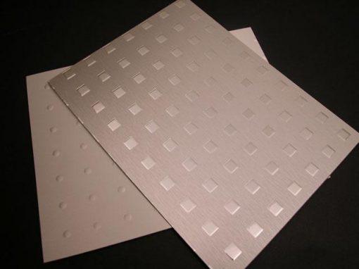 Laminato composito in alluminio e resina