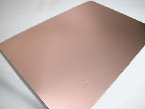 Materiale composito con cuore rigido in schiuma poliuretanica