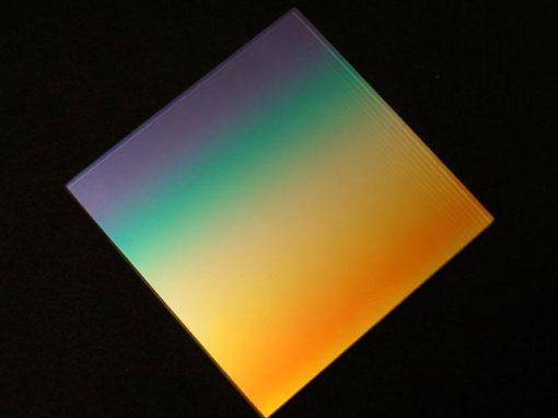 Filtro in vetro ad interferenza graduale