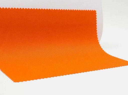 Materiale ottenuto accoppiando una membrana in poliuretano con un tessuto