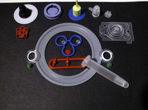Stampaggio di oggetti in silicone di piccole dimensioni